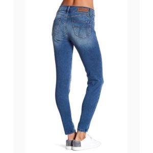 Seven7 Tummy-Less Legging Skinny Jeans